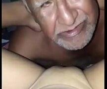 Velhos Chupando Novinhas - Video Velhos Chupando Novinhas
