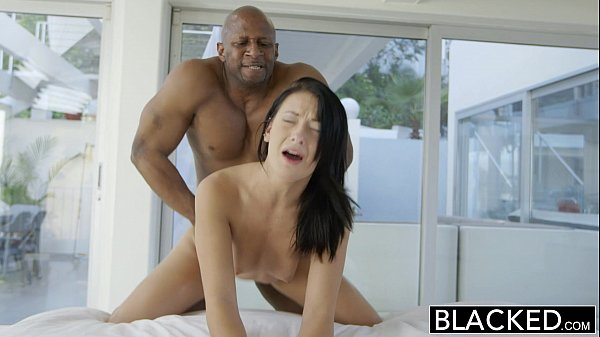 Blacked Anal para arrombar a morena - Video Blacked Anal