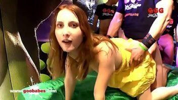 Lia Louise Porno nua dando pra um desconhecido na balada