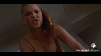 Katherine Heigl Nua transando em cena de sexo